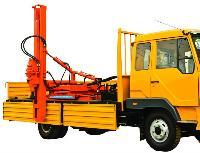 Otoyol Bariyer Kazığı Çakma Makinesi - foto